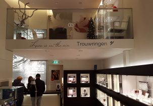 belettering balkon Strego Juweliers Almere Stad trouwringen